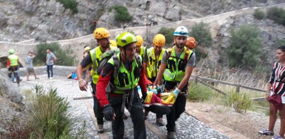 In Calabria torrente travolge escursionisti: 10 morti e 3 sul Pollino ma si continua a cercare