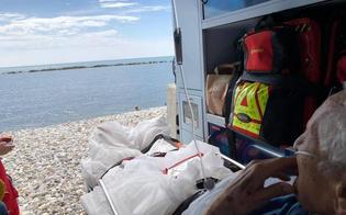 http://www.seguonews.it/anziano-chiede-di-vedere-il-mare-e-lambulanza-della-croce-rossa-si-ferma-sulla-spiaggia
