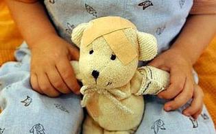 http://www.seguonews.it/la-madre-si-suicida-bimba-di-4-anni-sopravvive-per-quattro-giorni-mangiando-pane-e-burro