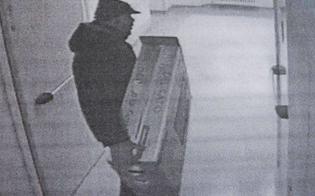 http://www.seguonews.it/caltanissetta-ladri-in-azione-in-unabitazione-entrano-dalla-finestra-e-portano-via-due-televisori