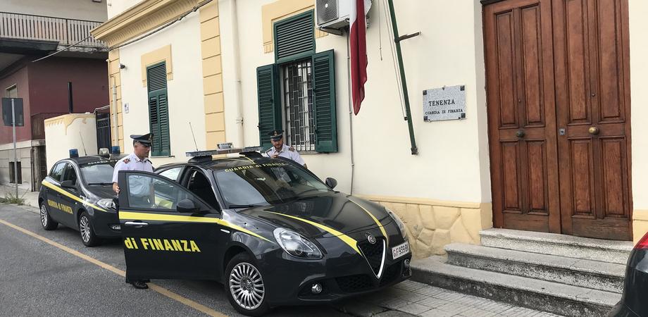 Supermercati, estorsione ai danni di oltre 80 dipendenti: imprenditore denunciato a Messina