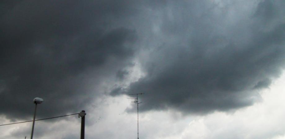 Caltanissetta, allerta meteo arancione per le prossime ore