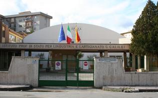 http://www.seguonews.it/caltanissetta-allipsia-g-galilei-la-campanella-suonera-con-due-giorni-di-anticipo