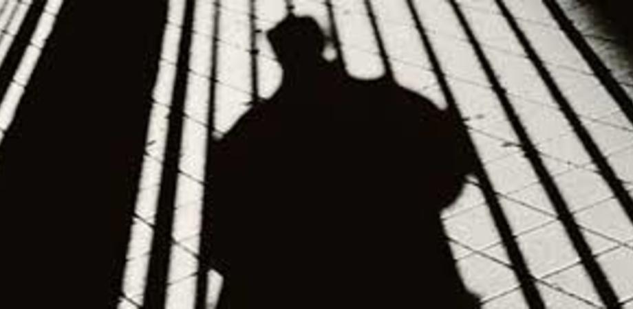 Mussomeli, scoppia la psicosi dell'uomo nero: va in giro mascherato e compare nel cuore della notte