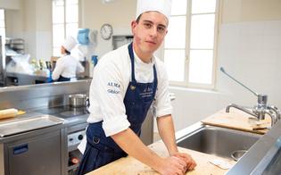 Il 20enne di Mussomeli Dario Diliberto riceve il diploma di cuoco professionista alla scuola fondata da Gualterio Marchesi