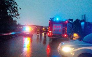http://www.seguonews.it/bomba-dacqua-sulla-statale-gela---catania-i-detriti-hanno-colpito-macchine-in-transito