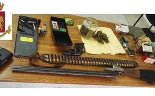 http://www.seguonews.it/sorpeso-con-armi-droga-e-munizioni-32enne-arrestato-dai-poliziotti-di-niscemi