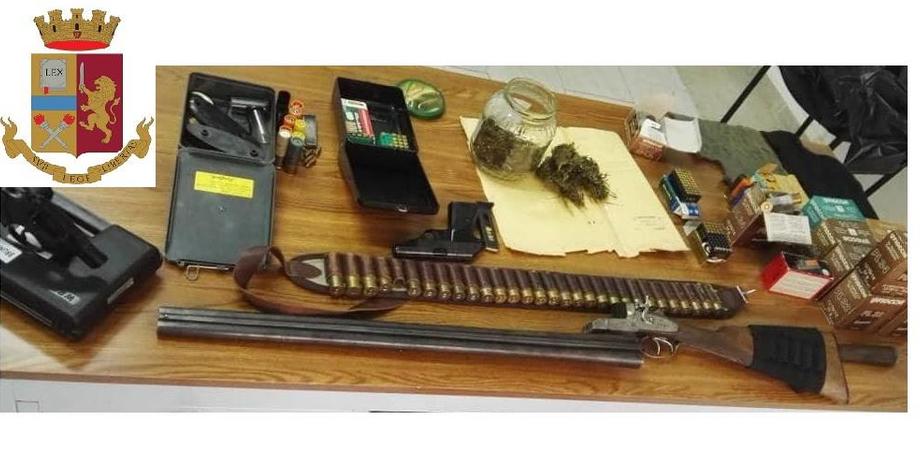 Sorpreso con armi, droga e munizioni: 32enne arrestato dai poliziotti di Niscemi