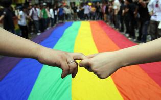 http://www.seguonews.it/cacciato-di-casa-perch-gay-finisce-in-un-sottoscala-morso-dai-topi