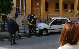 http://www.seguonews.it/caltanissetta-accusa-un-malore-e-si-schianta-con-lauto-rianimato-da-un-passante