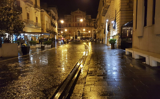 http://www.seguonews.it/caltanissetta-pioggia-a-dirotto-salta-per-la-seconda-volta-il-concerto-di-francesco-daleo