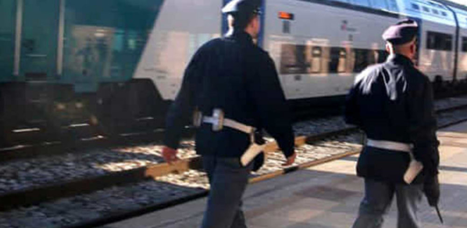 Raccoglie lumache sui binari: travolto dal treno sulla linea ferroviaria Caltanissetta Xirbi-Bicocca