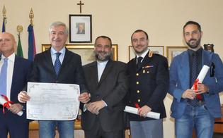 http://www.seguonews.it/papa-francesco-a-piazza-armerina-pergamene-per-gli-agenti-di-polizia-
