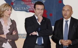 http://www.seguonews.it/caltanissetta-il-sottosegretario-al-ministero-dellinterno-candiani-in-visita-alla-questura