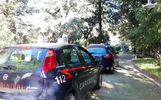 http://www.seguonews.it/spaccio-a-caltanissetta-trenta-carabinieri-sul-territorio-un-gambiano-arrestato-mentre-cedeva-droga-a-un-ragazzo