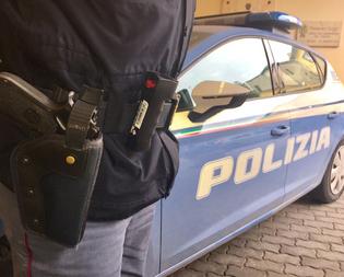Caltanissetta, irrompe a casa dei parenti armato di pistola: anziano denunciato