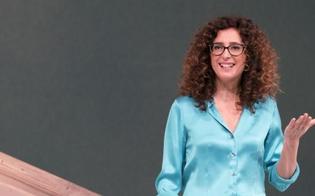 http://www.seguonews.it/tersa-mannino-torna-sul-palco-il-14-dicembre-debuttera-al-teatro-eschilo-di-gela-con-sento-la-terra-girare