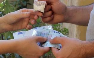 http://www.seguonews.it/gela-mescolano-la-cocaina-con-la-coca-cola-per-sfuggire-ad-un-controllo-arrestati-tre-giovani