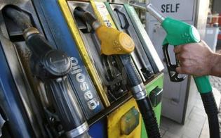 http://www.seguonews.it/caltanissetta-scende-al-distributore-per-fare-benzina-e-gli-scippano-il-portafogli