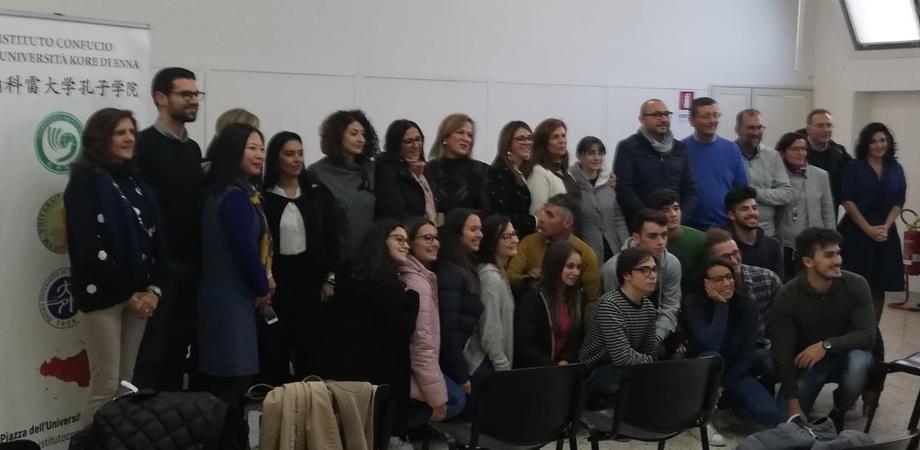 Caltanissetta, 14 studenti del