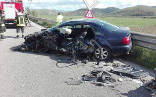 Caltanissetta, incidente sulla Ss626. Camion si ribalta: tre persone ferite, animali finiscono in strada