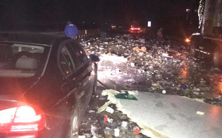 Scontro tra camion sulla Caltanissetta-Agrigento: le merci si riversano sull'asfalto