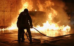 http://www.seguonews.it/gela-inferno-di-fuoco-incendiate-cinque-auto-in-due-diversi-quartieri-della-citta