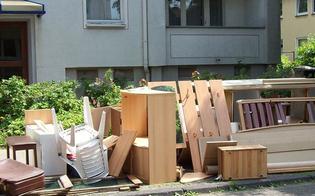 http://www.seguonews.it/caltanissetta-decide-di-cambiare-casa-lex-proprietario-si-vendica-e-gli-fa-trovare-i-mobili-lungo-la-strada