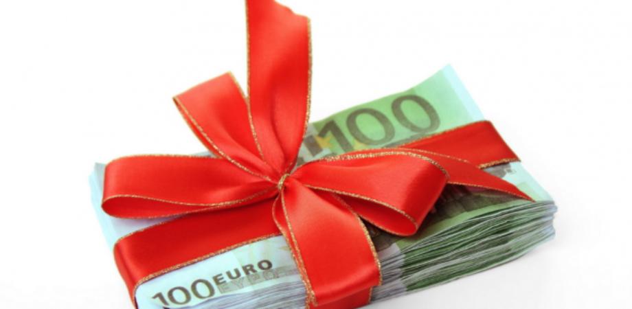 Tredicesima agli statali, quest'anno i soldi arrivano in anticipo. Per i pensionati già disponibile dal 1 dicembre
