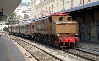 A Caltanissetta arriva il treno dei dolci e dei formaggi. I viaggiatori attraverseranno la Sicilia a bordo di vetture d'epoca