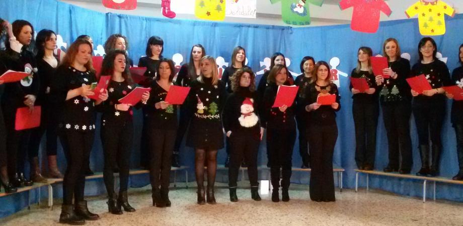 """Alla scuola Belvedere di San Cataldo il """"Christmas Jumper Day"""""""