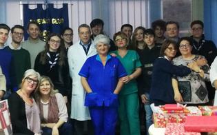 http://www.seguonews.it/caltanissetta-il-club-interact-dona-copertine-e-biancheria-intima-ai-bimbi-del-reparto-di-pediatria-del-santelia