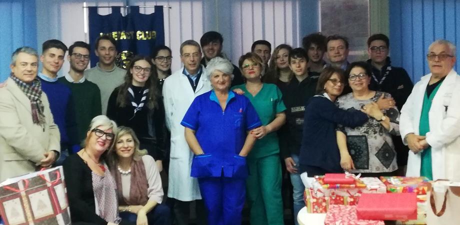 Caltanissetta, il club Interact dona copertine e biancheria intima ai bimbi del reparto di pediatria del Sant'Elia