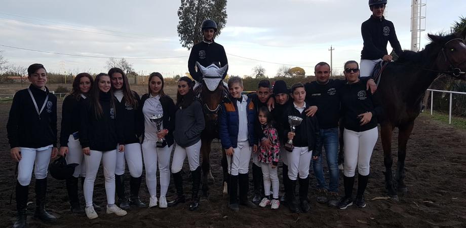 """Al campionato siciliano di Agility Horse ottimi risultati della """"Amici del Cavallo 2"""" di San Cataldo"""