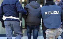 Gestione dei centri di accoglienza: sgominata a Gela associazione a delinquere. Le indagini partite da una protesta