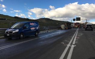 http://www.seguonews.it/caltanisetta-incidente-sulla-ss626-autobotte-si-ribalta-un-ferito-inviato-lelisoccorso