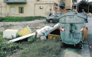 http://www.seguonews.it/caltanissetta-abbandono-rifiuti-fuori-dai-cassonetti-e-differenziata-fatta-male-55-multe-in-soli-15-giorni