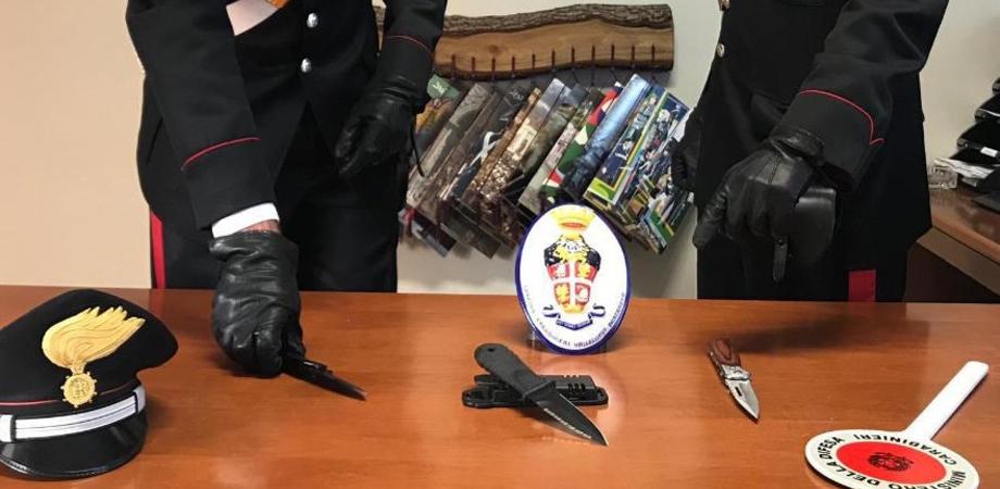 Nisseno trovato con 3 coltelli in macchina a Vallelunga: denunciato dai carabinieri