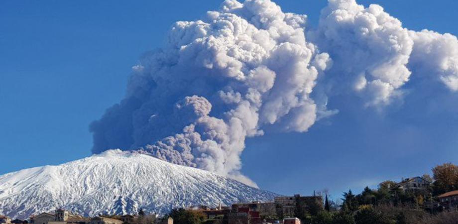 L'Etna torna a dare spettacolo: registrate oltre 130 scosse sismiche