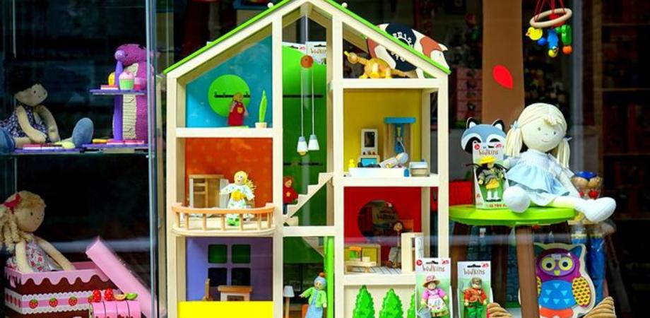 """I giocattoli dismessi verranno riutilizzati, gli alunni della scuola """"Santa Caterina Resuttano"""" li raccoglieranno per poi donarli"""