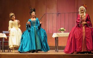 http://www.seguonews.it/caltanissetta-al-margherita-lungo-applauso-per-la-locandiera-amanda-sandrelli-teatro-bellissimo-e-pubblico-caloroso