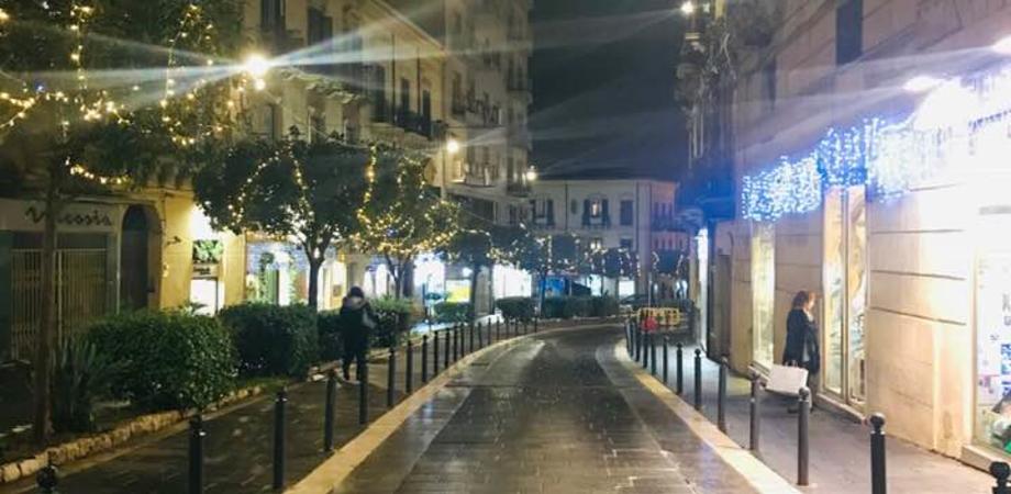Potenziate le luminarie natalizie in centro storico a Caltanissetta, presto sarà allestito anche l'albero