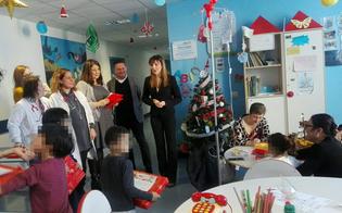 http://www.seguonews.it/caltanissetta-al-reparto-di-pediatria-arrivano-i-regali-inviati-dai-direttori-caltagirone-e-santino