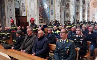 http://www.seguonews.it/caltanissetta-i-vigili-del-fuoco-festeggiano-santa-barbara-consegnati-diplomi-di-lodevole-servizio-e-croci-di-anzianita