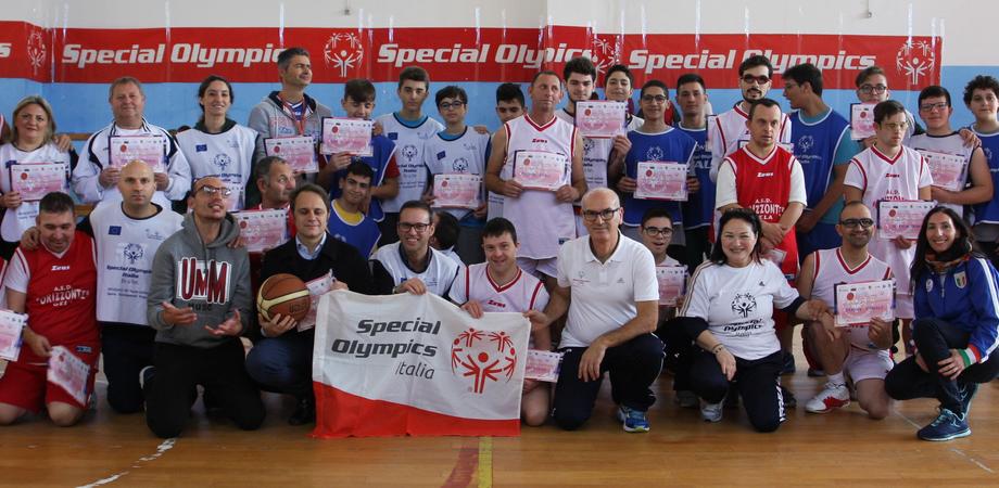 Gela, gli atleti dell'Orizzonte scendono in campo a Niscemi per l'European Basketball Week