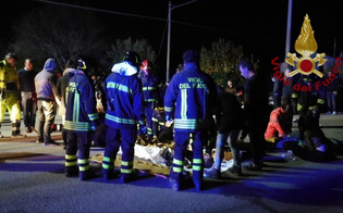 http://www.seguonews.it/tragedia-in-discoteca-ad-ancona-morti-6-ragazzi-diversi-i-feriti-gravi-