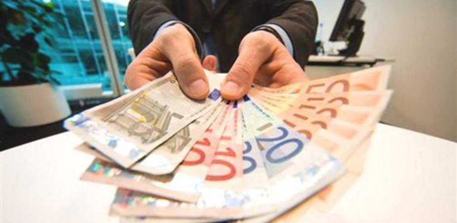 Caltanissetta, si ritrova con un finanziamento da 30 mila euro per un'auto mai ordinata: pensionato vittima di truffa