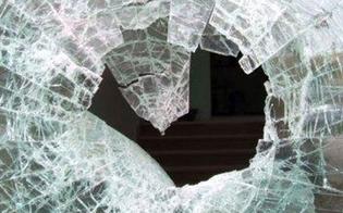 http://www.seguonews.it/tensione-al-sert-dellospedale-santelia-di-caltanissetta-paziente-stanco-di-aspettare-rompe-un-vetro