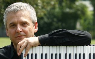 http://www.seguonews.it/al-teatro-margherita-di-caltanissetta-un-viaggio-a-cavallo-dei-con-ivano-battiston-virtuoso-della-fisarmonica