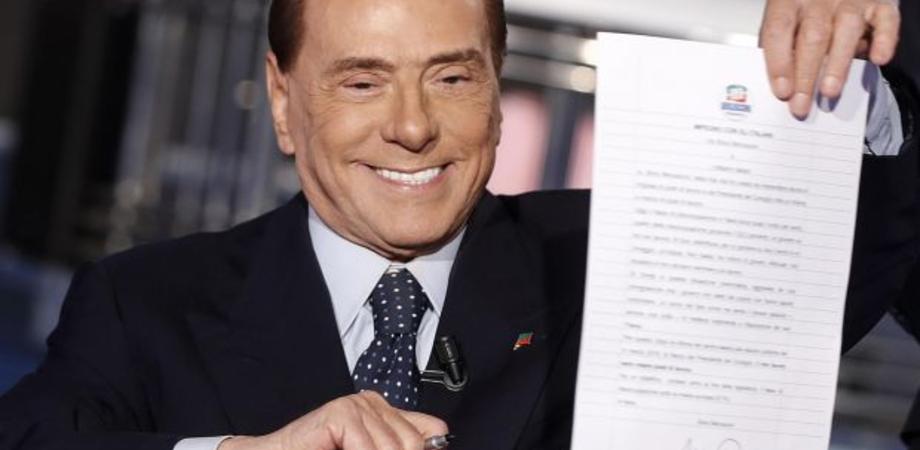 """Berlusconi si candida alle Europee: """"Lo faccio per senso di responsabilità"""""""
